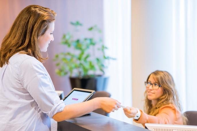 Perchè un'azienda dovrebbe gestire digitalmente i propri visitatori?